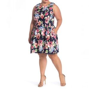 VINCE CAMUTO | NWT Floral Fit & Flare Scuba Dress